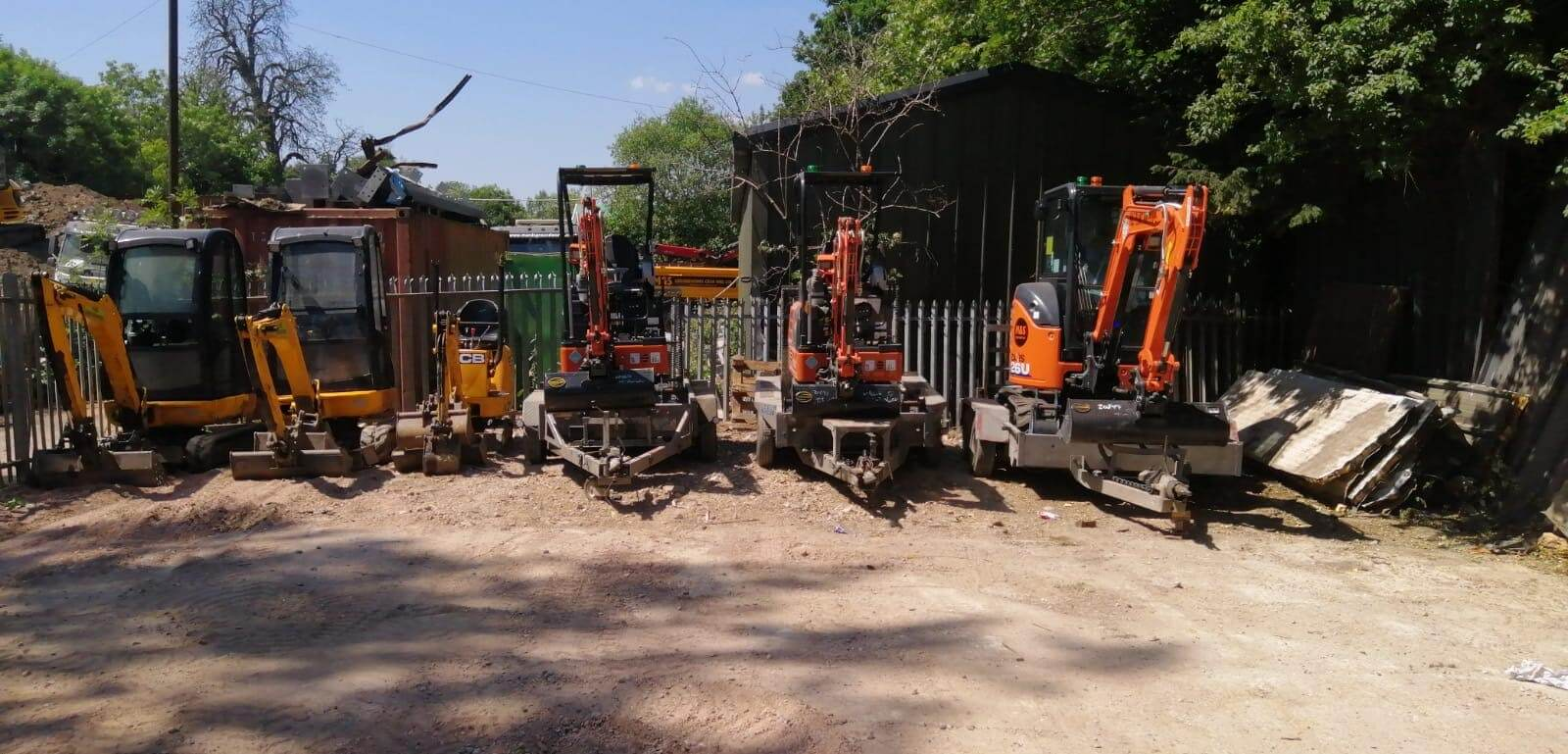 Mini Digger Hire Specialists Aldermaston, RG7